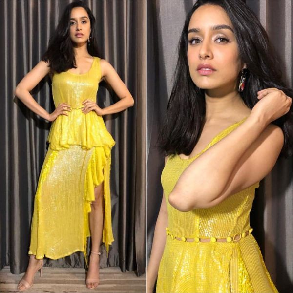 2 lip colour with outfit shraddha
