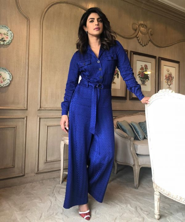 4 lip colour with outfit priyanka
