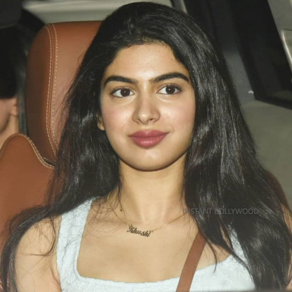 1 khushi kapoor - dhadak movie screening