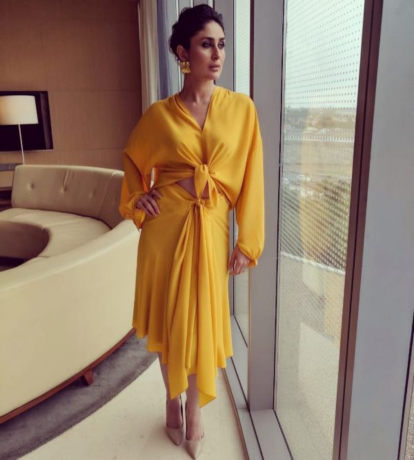 1 kareena kapoor - yellow outfit for event in delhi
