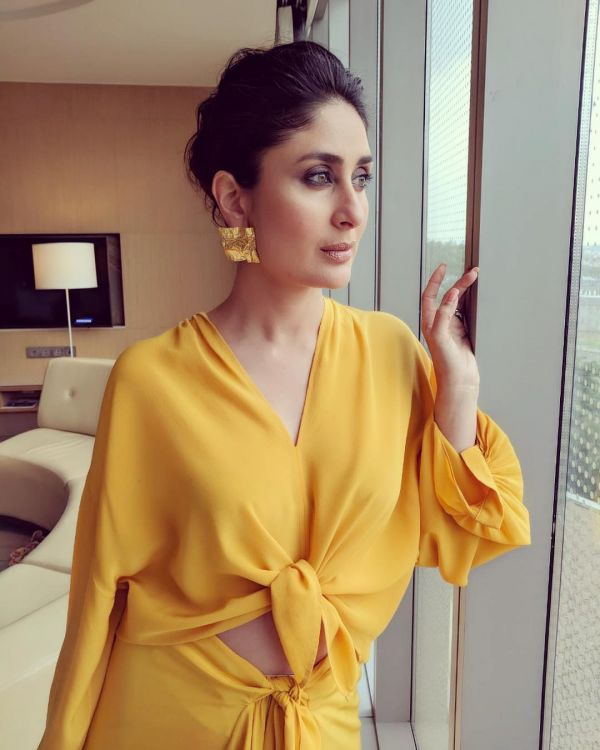 2 kareena kapoor - yellow coloured knotted outfit