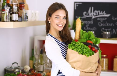 girl ready to prepare salad for herself
