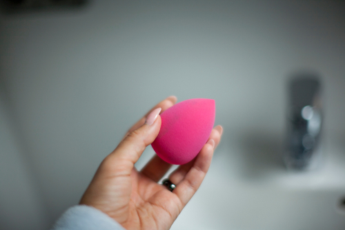 makeup  sponge  beauty blender  clean  how to  use  wash internal 3