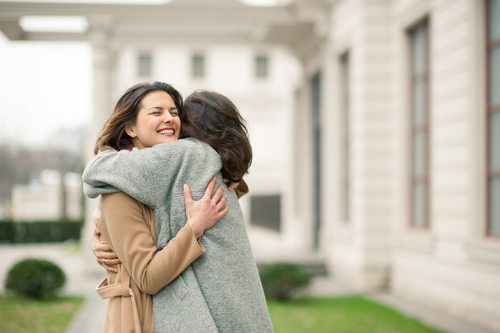 Things To Do If Your Bestie Is Going Through A Heartbreak 4