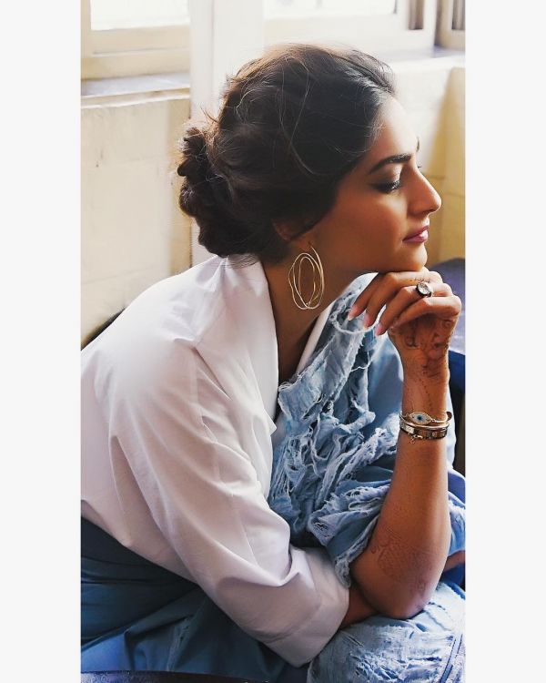 13-hairstyles-for-saree-low-twisted-bun