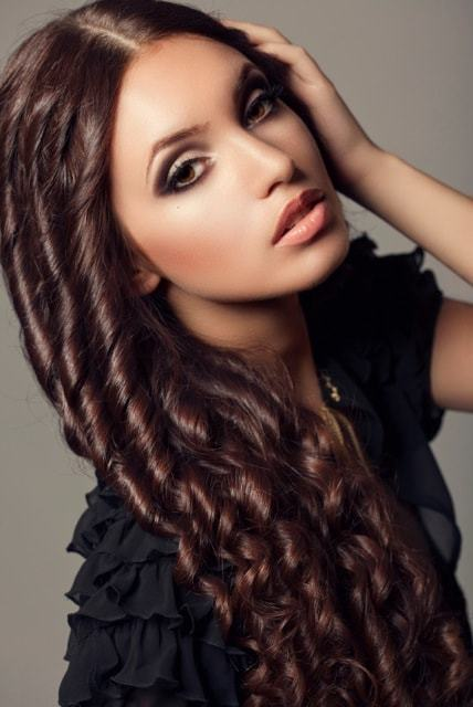 35-hairstyles-for-saree-fairy-tale-curls