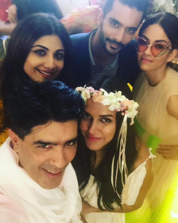 8 neha dhupia invited celebrity friends at her baby shower - neha dhupia at her baby shower with manish malhotra and friends