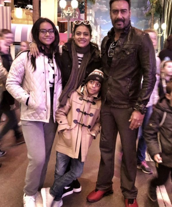 Kajol Reveals Why No One Wanted Her To Marry Ajay Devgn- Family picture