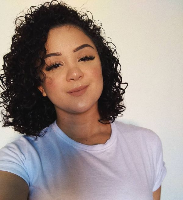 big curls for round faces