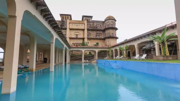 The Ultimate Guide To Neemrana Fort-Palace For A Perfect Weekend Getaway- Pool