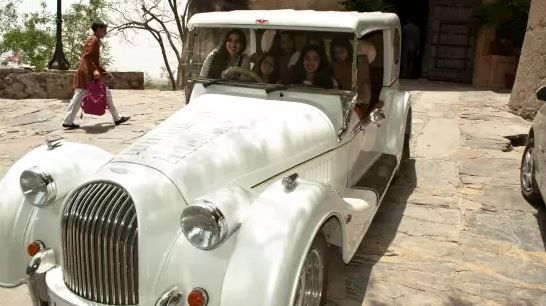The Ultimate Guide To Neemrana Fort-Palace For A Perfect Weekend Getaway- Vintage Car
