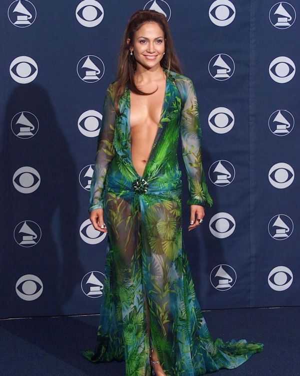 jennifer-lopez-versace-gown-vmas-2000-jlo-green-barely-there-dress