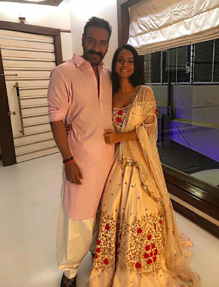 From Shahid   Mira To DeepVeer  How The New Bollywood Couples Celebrated Diwali 2018-24nshot 2018-11-08 at 3.44.29 PM