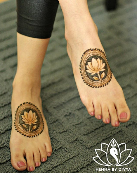 bridal-mehendi-design-for-feet-lotus