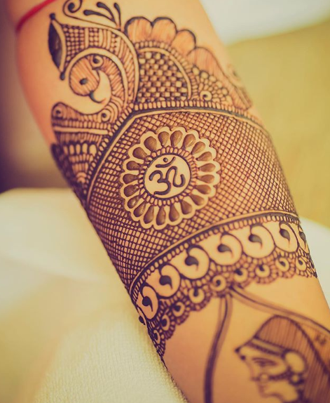bridal-mehendi-designs-om