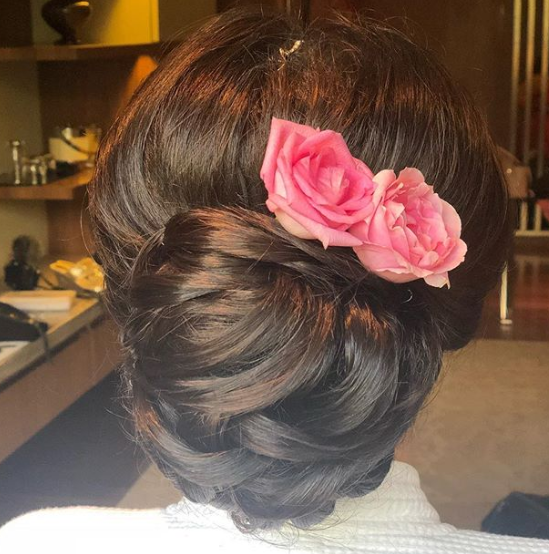 reception-hairstyles-tied-up-hair-bun