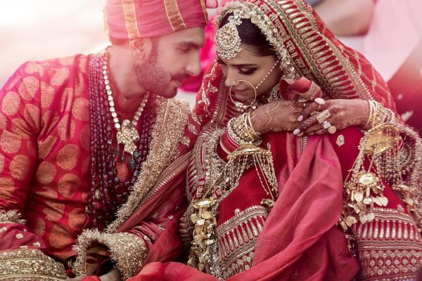 1-deepveer-first-wedding-picture-of-deepika-ranveer