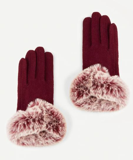 2-faux-fur-gloves-winter-accessories