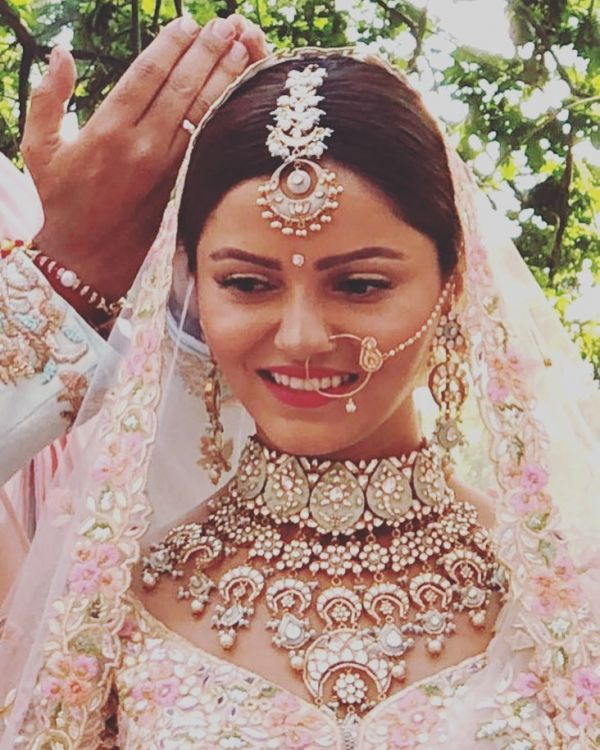 Best Wedding Makeup Looks Of Bollywood And TV Celebrities