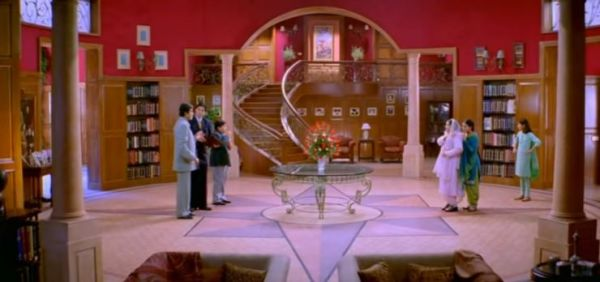 Mistakes In K3G That Will Give You Thodi Khushi Thoda Gham- 7