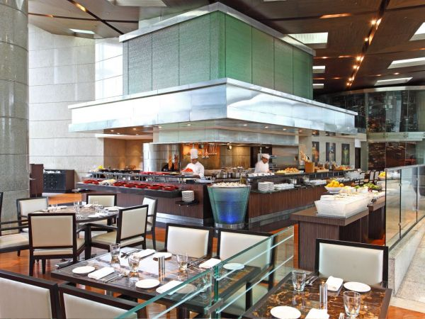9-Best-christmas-brunch-places-hyatt-regency-mumbai
