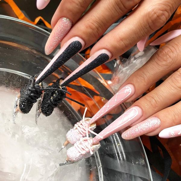 weird beauty trends from 2018 - ice skating nails