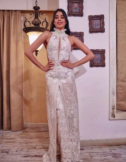 1-Is-It-A-Dress-Or-Is-It-Not-Janhvi-Kapoor's-Latest-Outfit-Is-A-Beautiful-Illusion!