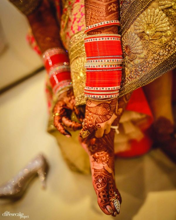 bridal-chooda-traditional-red