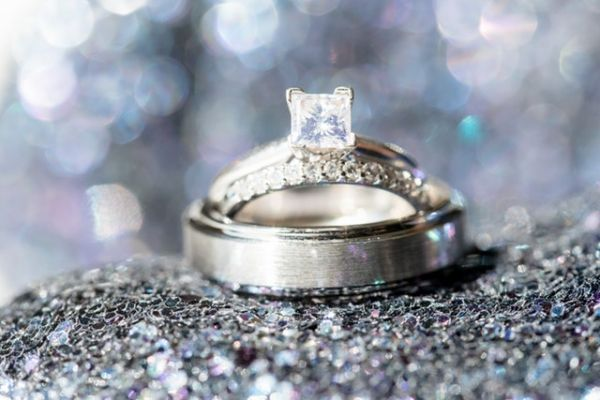 7-engagement-ring-guide-shape-of-ring-pavay