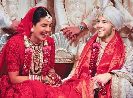 1-All-the-outfits-Sabyasachi-designed-for-Celeb-Weddings-in-2018