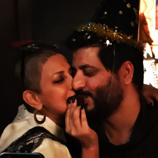 1-sonali-bendre-birthday-pic-with-husband