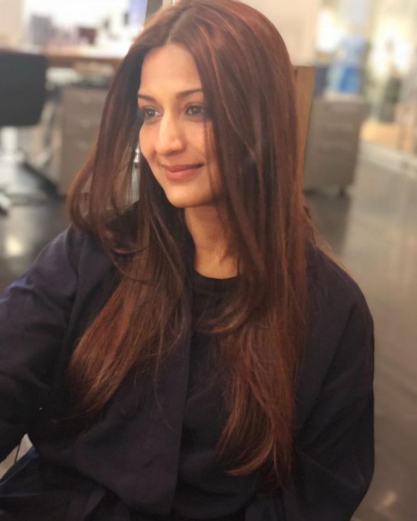4-sonali-bendre-birthday-picture-of-sonali-haircut