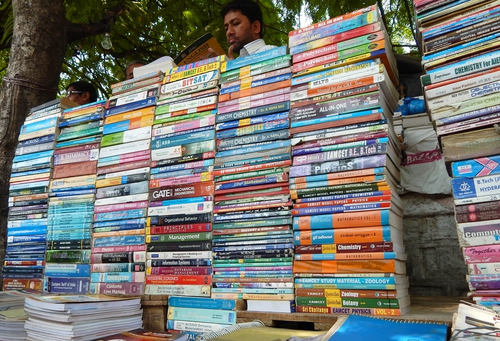 14- best things to do in hyderabad-book-market
