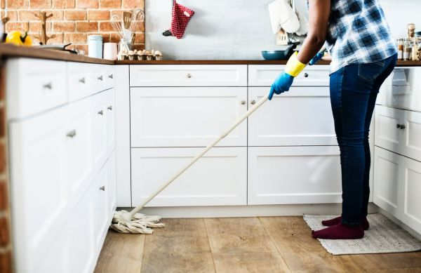 household chores  - 15 things to discuss withhim before wedding