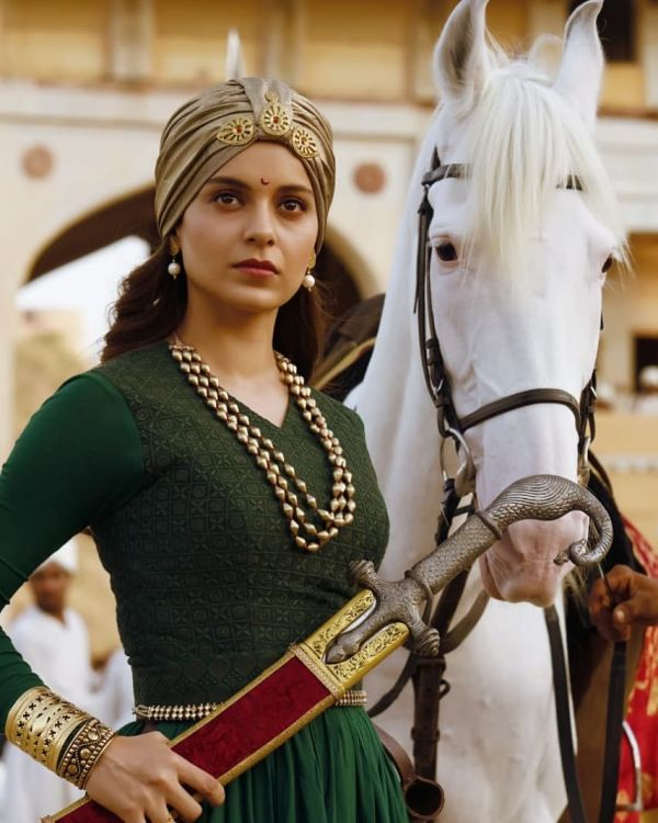 kangana ranaut talks about rakesh roshan and nepotism during manikarnika promotions - shot from Maikarnika trailer