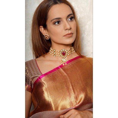 2-hairstyles-for-saree-straight-hair