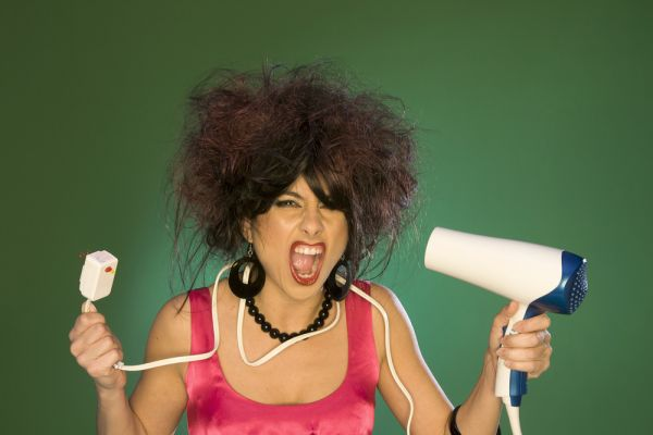 1-Frizzy-Hair-Home-Remedies