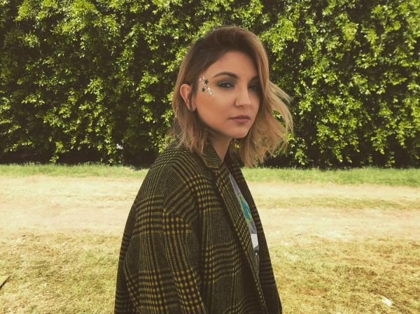 5 Here is How Anushka Sharma Would Look If She Decides To Go Blonde - julia michaels