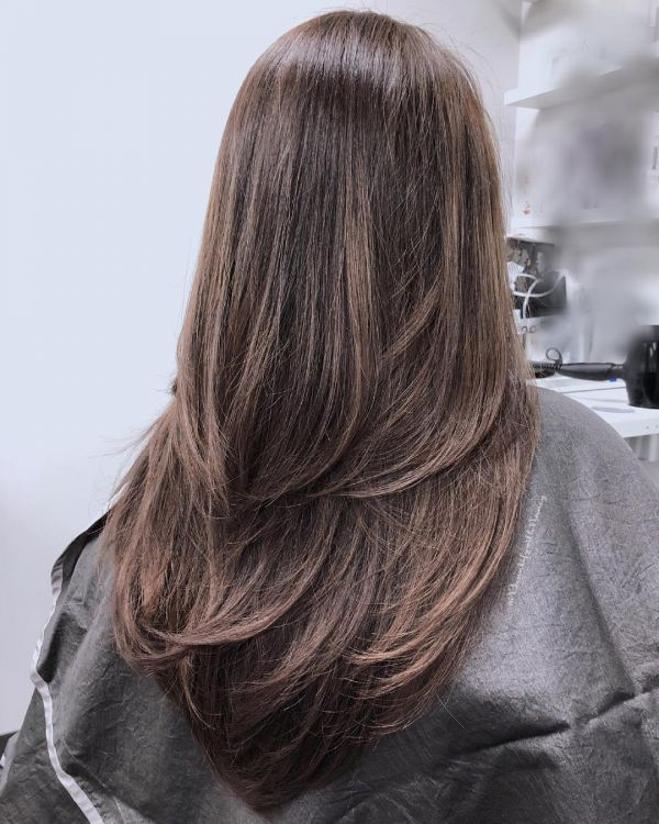 10 gorgeous layered haircuts - v cut hair with layers