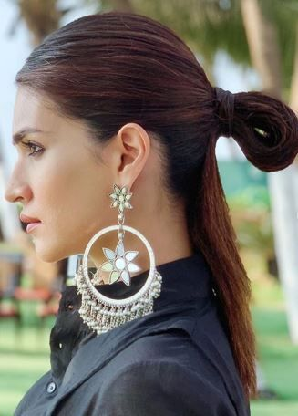4 All The Hairstyle Lessons We Are Taking From Kriti Sanon