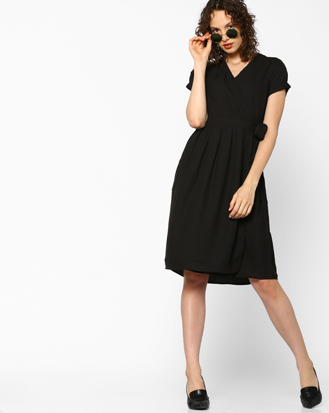 12-Dresses-For-Pear-Shaped-Body