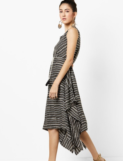 8-Dresses-For-Pear-Shaped-Body