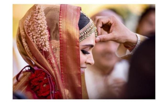 celeb-inspired-photoshoot-you-must-do-on-your-wedding deepika