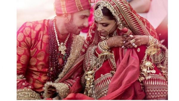celeb-inspired-photoshoot-you-must-do-on-your-wedding deepveer