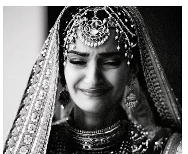 celeb-inspired-photoshoot-you-must-do-on-your-wedding sonam
