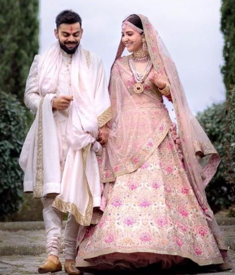 celeb-inspired-photoshoot-you-must-do-on-your-wedding virushka