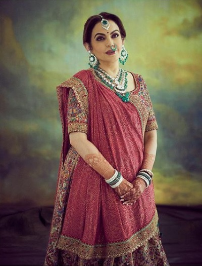 2-Everyone-Who-Wore-Sabyasachi-To-The-Ambani-Wedding