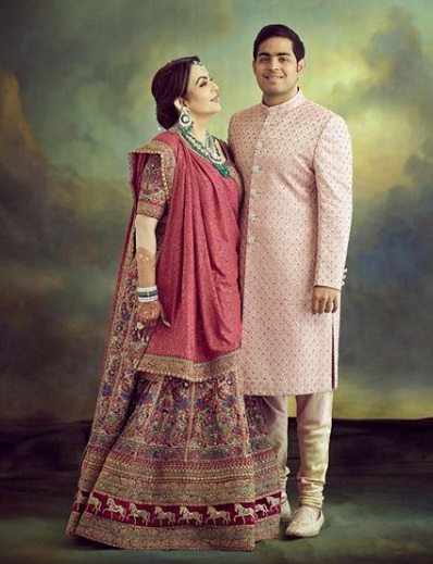 5-Everyone-Who-Wore-Sabyasachi-To-The-Ambani-Wedding