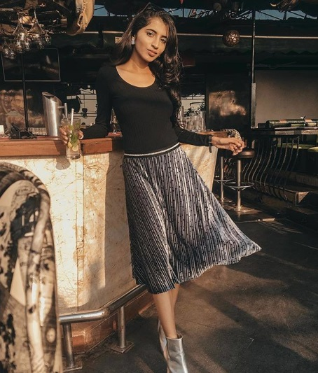 4-Styling-Hacks-To-Wear-Your-Party-Clothes-More-Often
