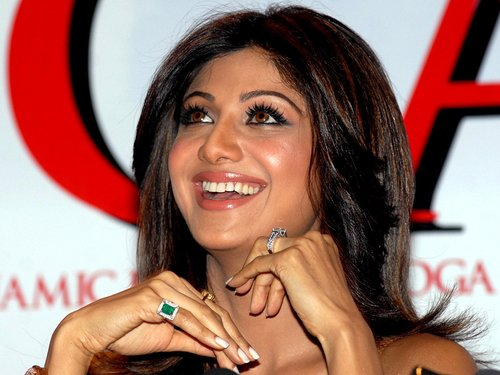 From PC To JLo  Here Are The Celebrity Engagement Rings That Could Tempt You To Say %E2%80%98I do%E2%80%99 - Shilpa shetty